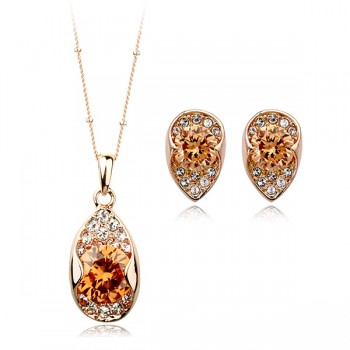 Golden Beauty Earring and Necklace Set